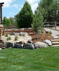 custom landscaping and lawn services denver