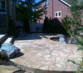 custom landscaping walkway 2